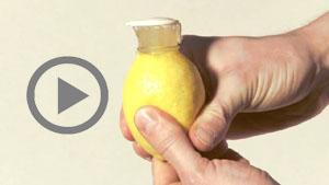Zitronenausgießer